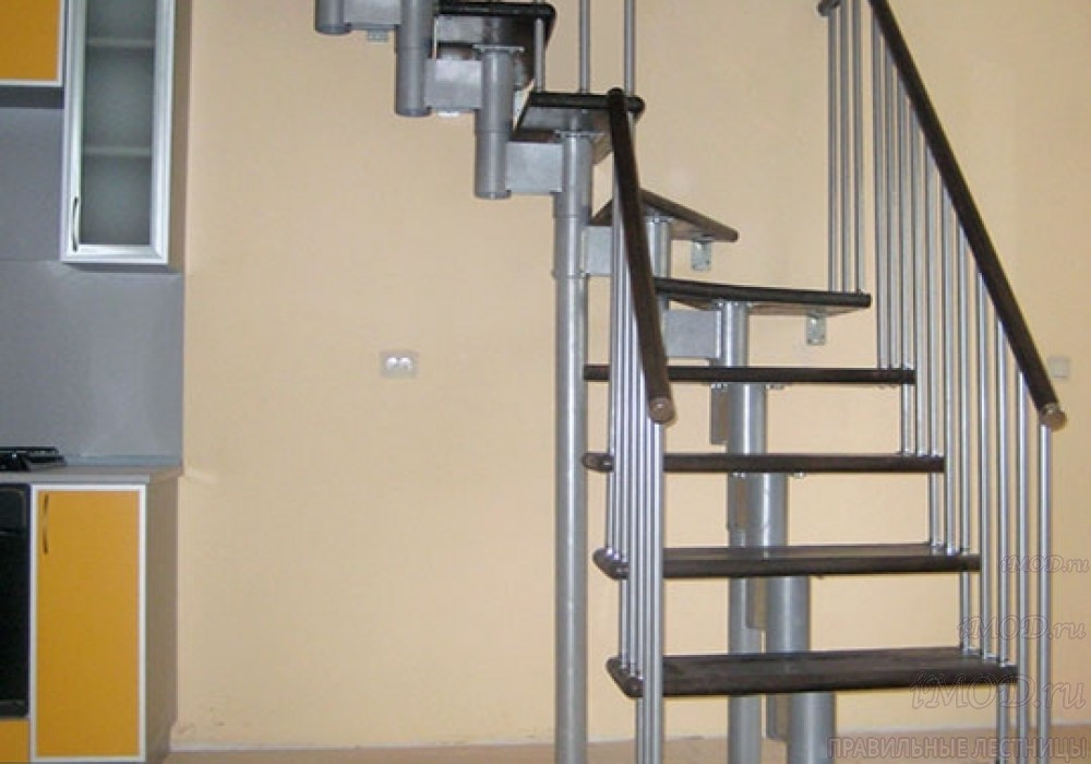 """Фото 13: межэтажные лестницы на 2 этаж """"Престиж"""" Г-образные модульные с поворотом 90 градусов - фото 13."""