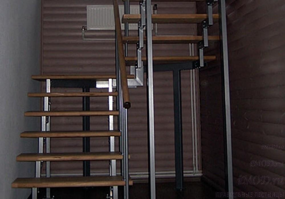 """Фото 8: лестница на 2 этаж П-образная """"СуперЭлегант"""". Изготовление лестницы на заказ с монтажом под ключ в частный дом, коттедж, таунхаус, фото 8."""
