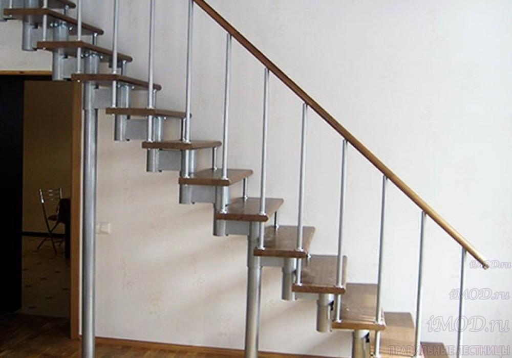 """Фото 7: прямая лестница на второй этаж """"Престиж"""" одномаршевая в загородный дом, коттедж, таунхаус, для дачи-фото7."""