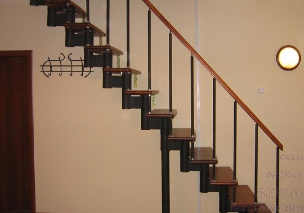 """Фото 3: прямая лестница на второй этаж """"Престиж"""" одномаршевая в загородный дом, коттедж, таунхаус, для дачи-фото3."""