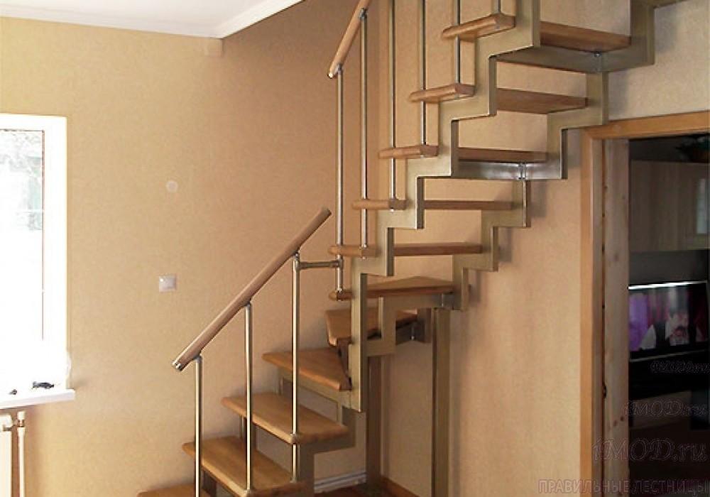 """Фото 5: модульная лестница эконом-класса на 2 этаж Г-образная """"Элегант""""- фото 5 в фотогалерее."""