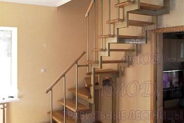 """Фото: модульная лестница эконом-класса на 2 этаж Г-образная """"Элегант"""""""