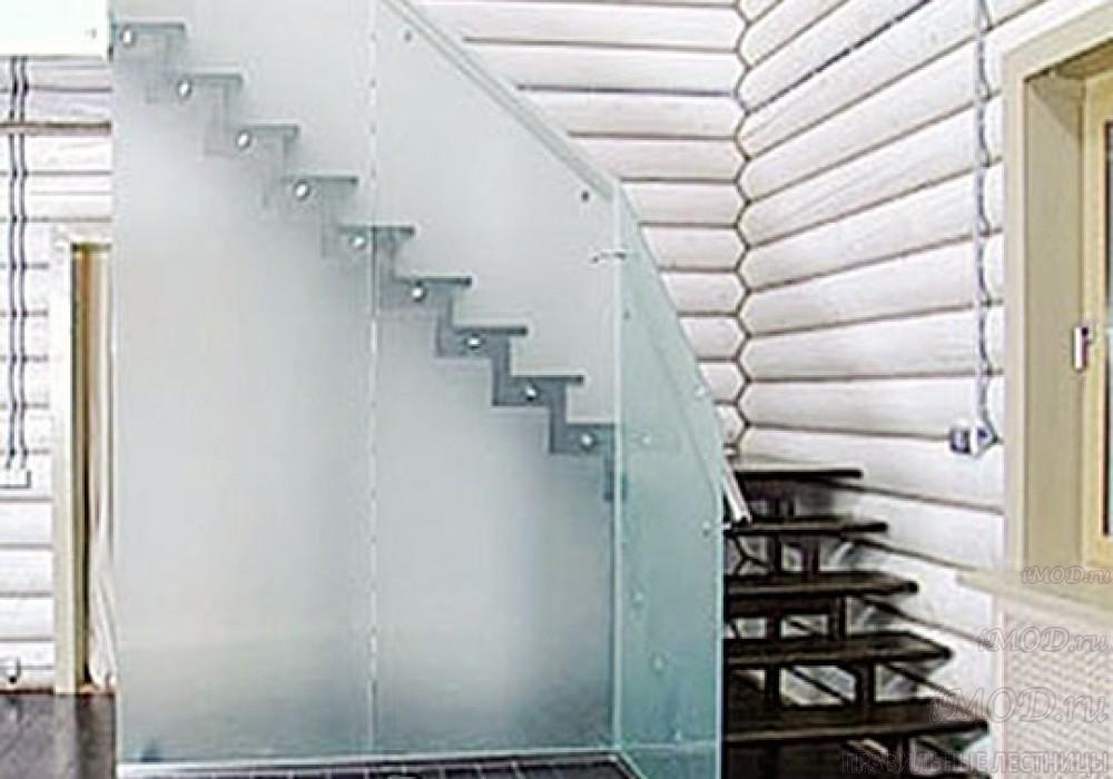 """Фото 9-бис: модульная лестница эконом-класса на 2 этаж Г-образная """"Элегант""""- фото 9-бис в фотогалерее."""