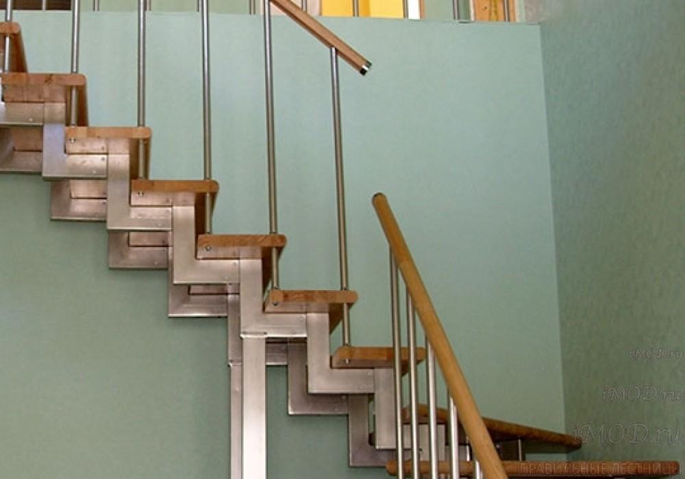 """Фото 10: модульная лестница эконом-класса на 2 этаж Г-образная """"Элегант""""- фото 10 в фотогалерее."""