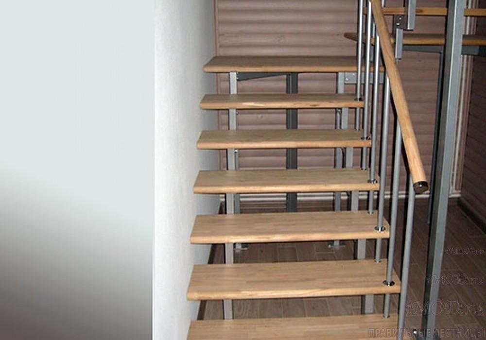 """Фото 5: модульная лестница на 2-й этаж эконом-класса П-образная """"Элегант"""" - фото 5 фотогалереи."""