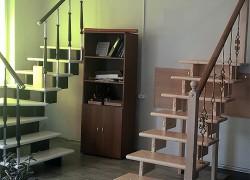 Модульные деревянные лестницы на второй этаж г-образные для дачи, частного дома, в коттедж с поворотом 90°  (бук, комплект)