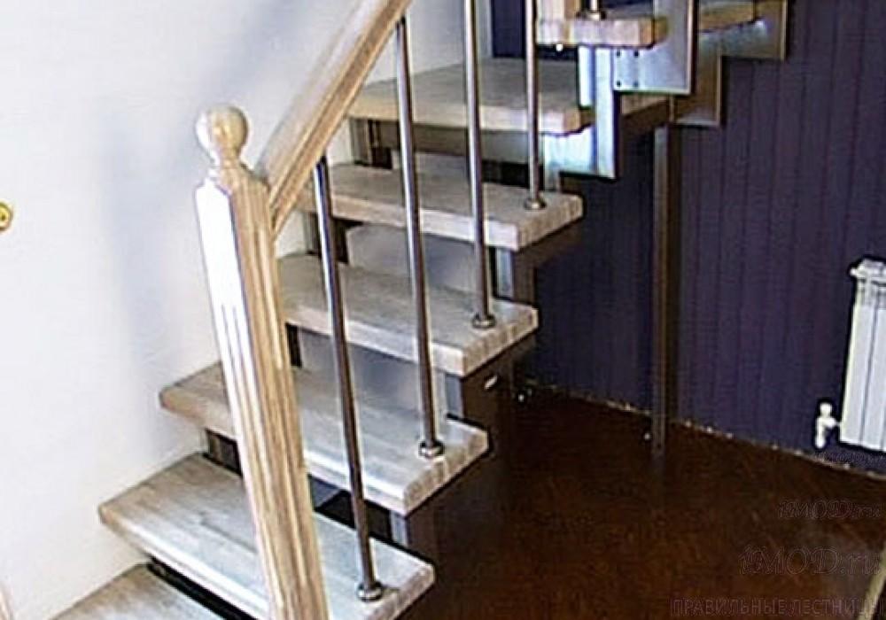 """Фото 12: лестница на второй этаж (на заказ) """"СуперЭлегант"""" Г-образная с поворотом. Изготовление лестницы на заказ под ключ, фото 12."""