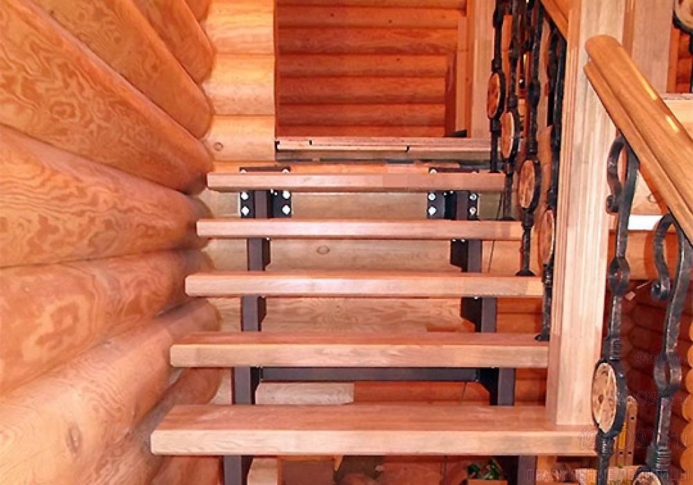 """Фото 7: лестница на второй этаж (на заказ) """"СуперЭлегант"""" Г-образная с поворотом. Изготовление лестницы на заказ под ключ, фото 7."""