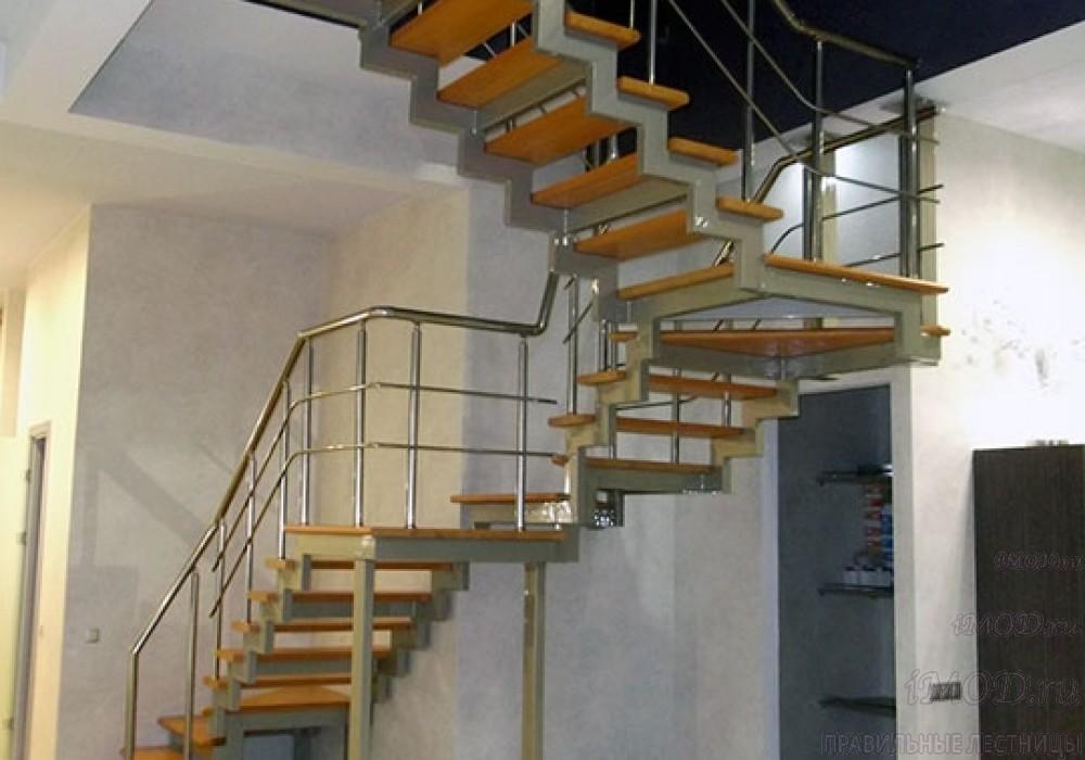 """Фото1 : лестница на 2 этаж П-образная """"СуперЭлегант"""". Изготовление лестницы на заказ с монтажом под ключ в частный дом, коттедж, таунхаус, фото 1."""