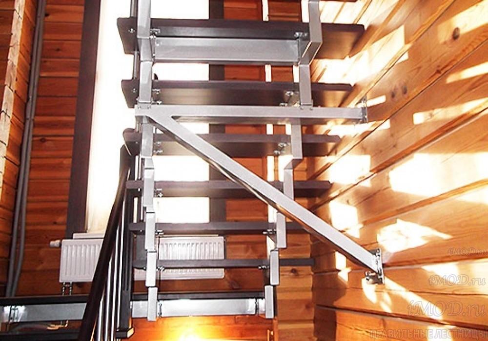 """Фото 7: лестница на 2 этаж П-образная """"СуперЭлегант"""". Изготовление лестницы на заказ с монтажом под ключ в частный дом, коттедж, таунхаус, фото 7."""