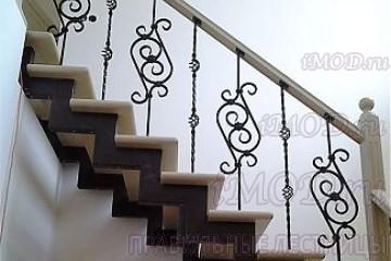 """Фото: прямая лестница на 2 этаж в коттедж, частный дом """"СуперЭлегант"""". Изготовление лестницы на заказ."""