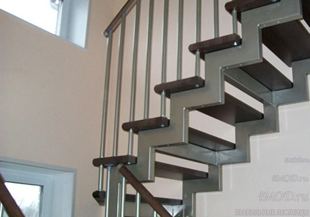 """Фото 9 прямая лестница на 2 этаж в коттедж, частный дом, таунхаус """"СуперЭлегант"""". Изготовление лестницы на заказ с монтажом под ключ. Фотография 9."""