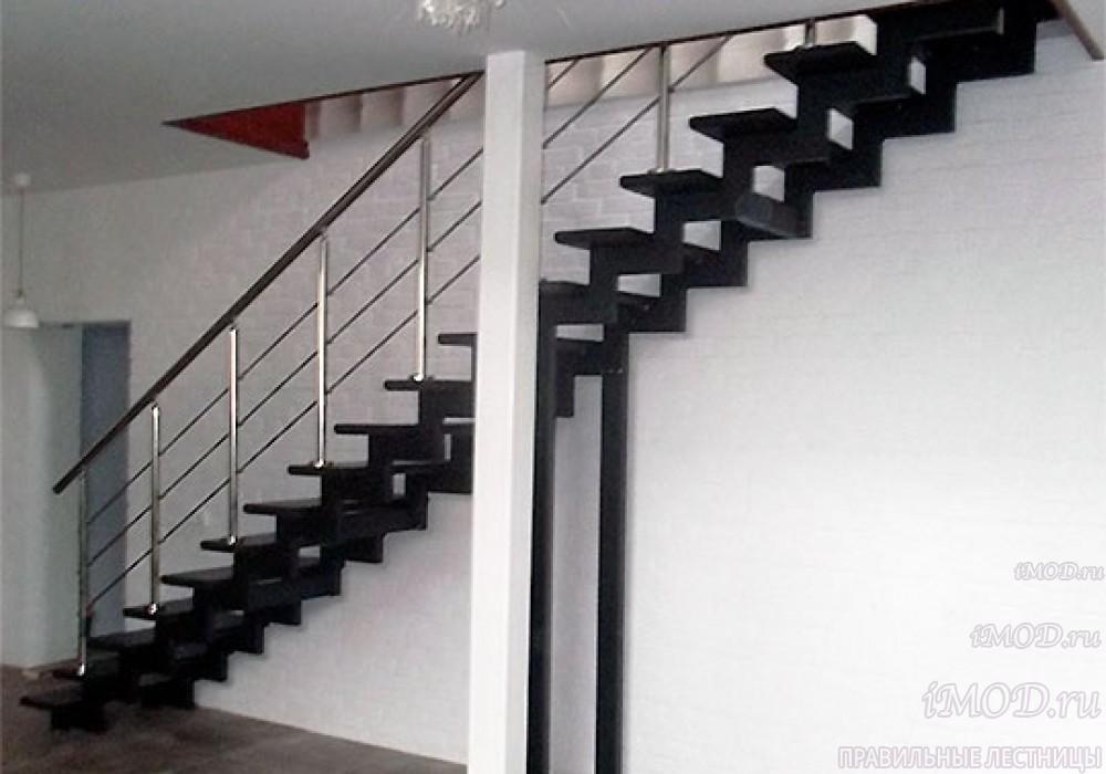 """Фото 4: прямая лестница на 2 этаж в коттедж, частный дом, таунхаус """"СуперЭлегант"""". Изготовление лестницы на заказ с монтажом под ключ. Фотография 4."""