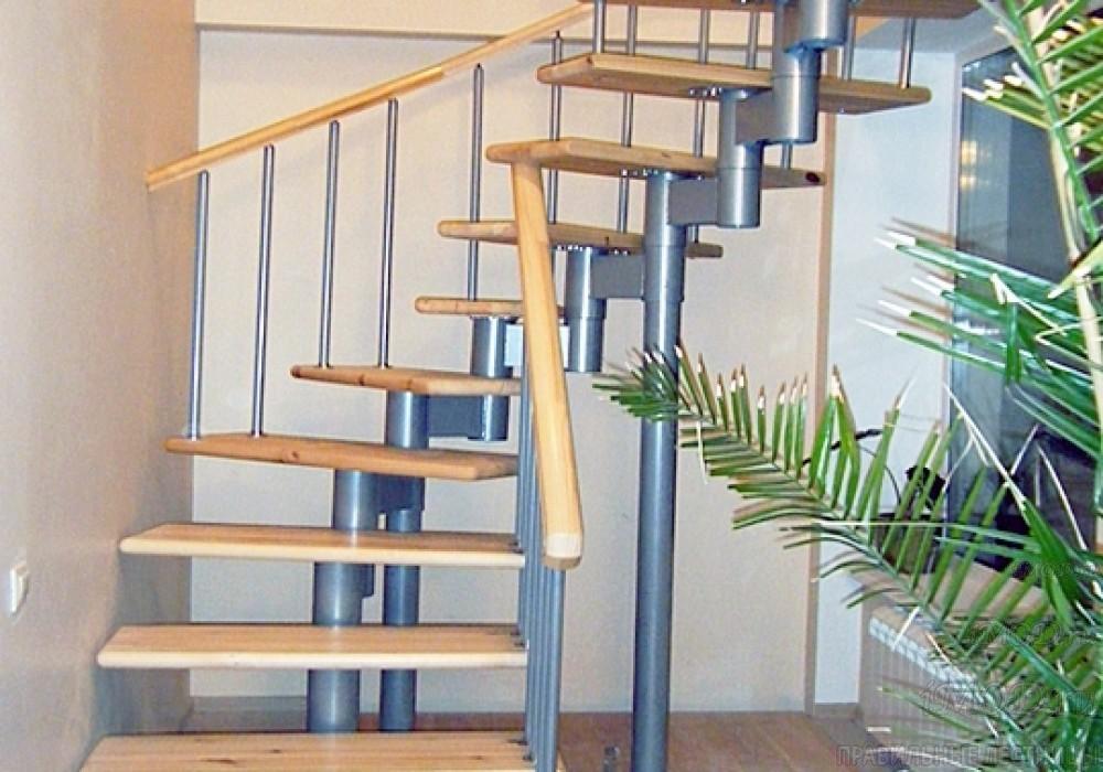 """Фото 11: лестницы на второй этаж П-образные """"Престиж"""" разворотные, фото11."""
