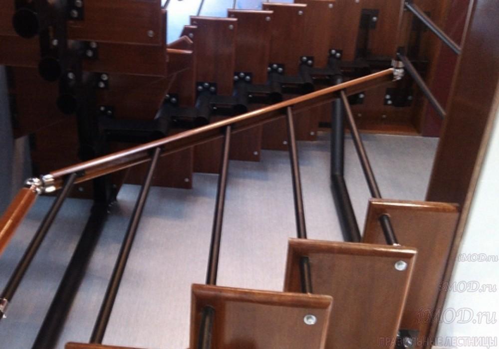 """Фото 7: лестницы на второй этаж П-образные """"Престиж"""" разворотные, фото7."""