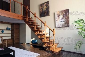 """Фото: деревянная прямая лестница на второй этаж """"Дуэт""""."""