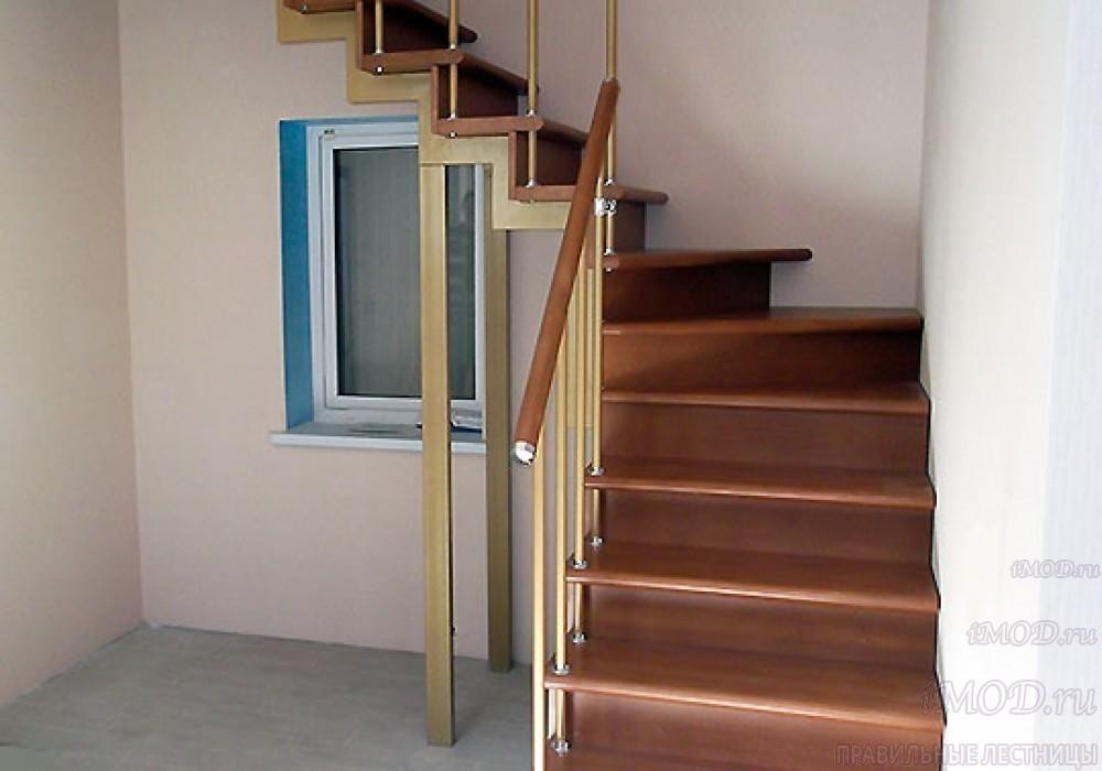 """Фото 7: модульная лестница эконом-класса на 2 этаж Г-образная """"Элегант""""- фото 7 в фотогалерее."""